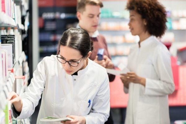 ورود به داروسازی آلمان برای خارجی ها